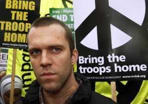 Joe Glenton at the anti-war demonstration in London, 24 October 2009