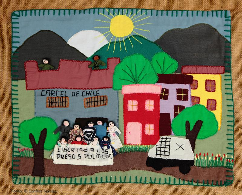 Libertad a los presos políticos / Freedom for the political prisoners, Chilean arpillera, Anonymous , c1985, Photo Martin Melaugh, Conflict Textiles collection. Provenance Kinderhilfe arpillera collection, Chile/Bonn