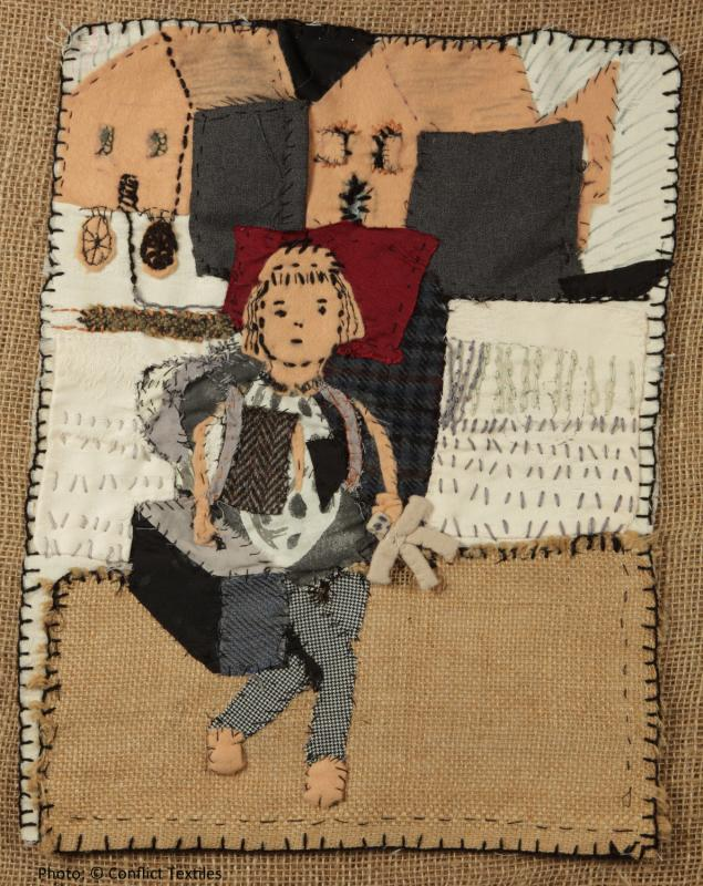 Auf der Flucht 1945 / Fleeing in 1945, German arpillera, Mara Loytved-Hardegg, 2010, Photo Martin Melaugh, Conflict Textiles collection