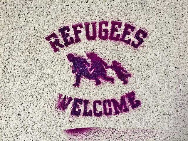 refugees welcome graffiti