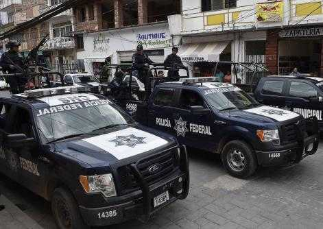 Heavily armed federal police