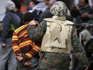 Das Militär verhaftet einen Aktivisten